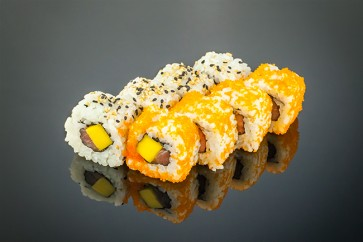 Tekka Mango Roll  (8 Stück)  mit Thunfisch, Mango und Sesam
