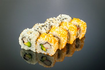California Roll  (8 Stück)  mit Surimi, Avocado