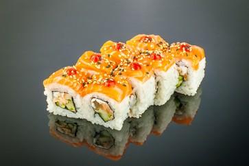 Spicy Lachs Roll  ( 8 Stuck) mit Gebratene Lachs, Gurke ,Frischkäse ,Lachs on Top