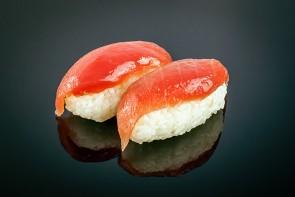 Nigiri Maguro (2 Stück)  mit Thunfisch