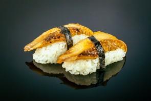 Nigiri Unagi (2 Stück)  mit schmackhaftem Süßwasseraal