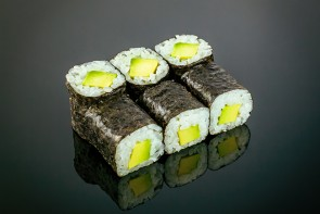 Maki Avocado  (6 Stück)  mit Avocado