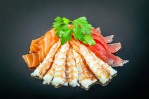 Sashimi Mix (12 Stück)  mit Lachs, Thunfisch und Ebi